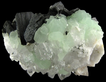 Babingtonite on Prehnite with Quartz from Hongxi, Meigu, Sichuan Province, China [db_pics/pics/babingtonite1a.jpg]