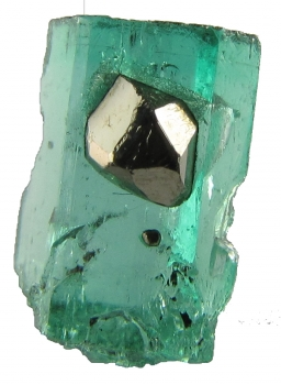 Beryl var. Emerald with Pyrite from Muzo Mine, Muzo, Vasquez-Yacopí Mining District, Boyacá Department, Colombia [db_pics/pics/emerald2c.jpg]