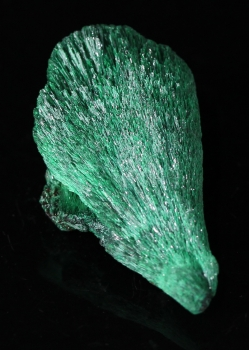 Primary Malachite from Bisbee, Arizona [db_pics/pics/malachite3b.jpg]