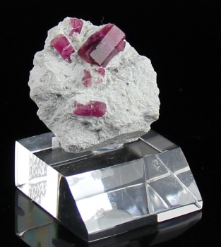Red Beryl from Violet Claims, Wah Wah mountains, Utah [db_pics/pics/redberyl3b.jpg]