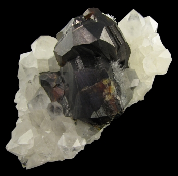 Sphalerite on Quartz from Shuikoushan Lead/Zinc Mine, Chaling, Hunan Province, China [db_pics/pics/sphalerite1c.jpg]
